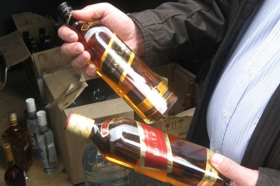 Полицейские Твери изъяли 200 литров контрафактного алкоголя