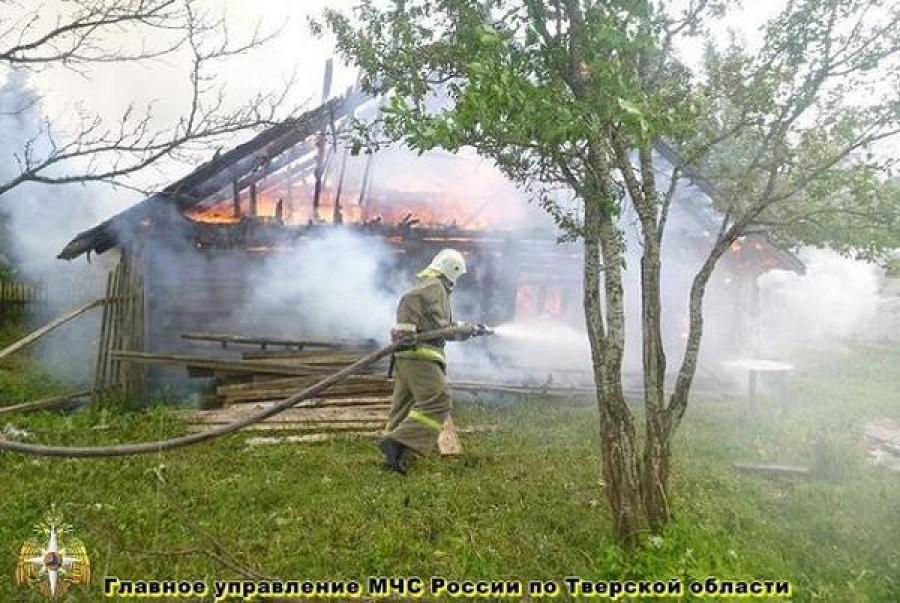 В Твери в огне погиб человек