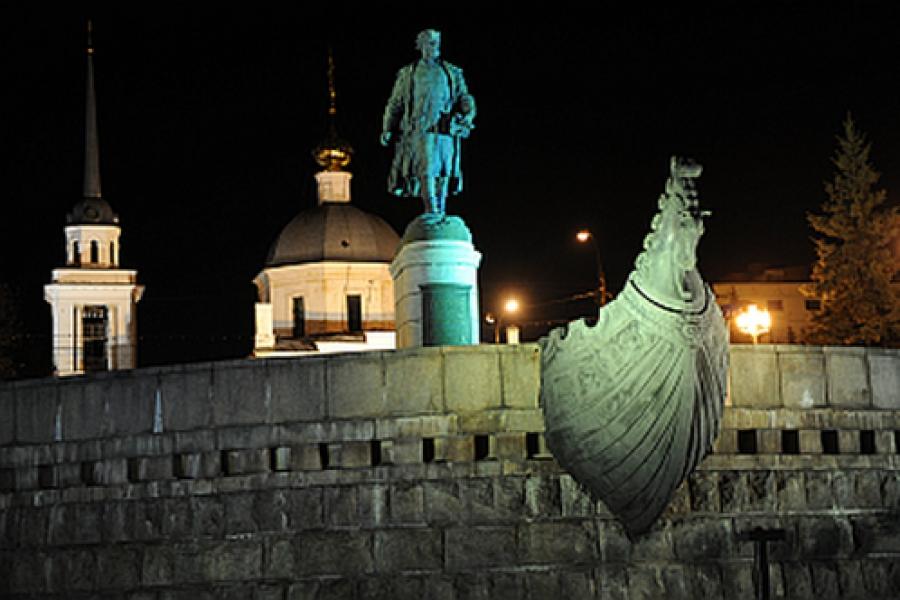 Памятник Афанасию Никитину осветили
