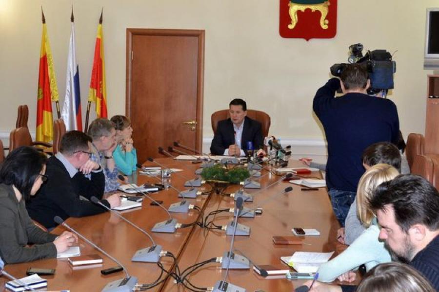 Наболевшие вопросы и подробные ответы: Юрий Тимофеев встретился с журналистами