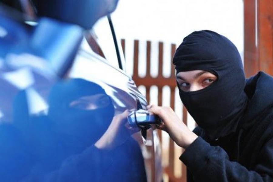 В Твери поймали автомобильных воров