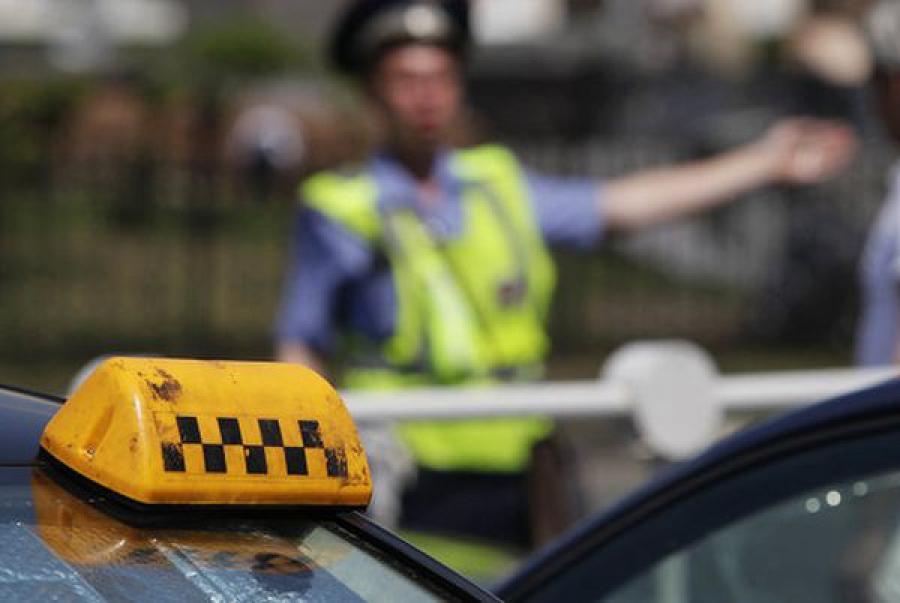 В Тверской области проверят легковые такси