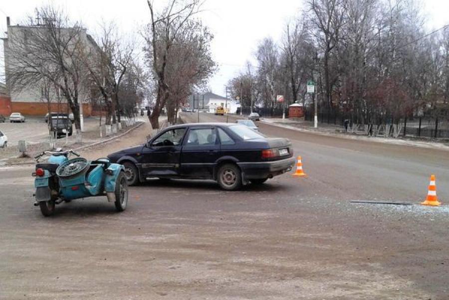 Нетрезвый мотоциклист пострадал в ДТП, устроенном водительницей легковушки