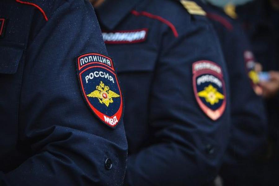 Бологовские полицейские получили благодарность от столичных коллег