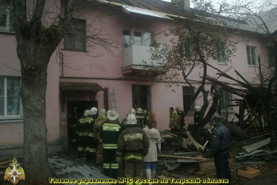 Семье женщины, погибшей при обрушении кровли в жилом доме в Твери, предоставят новую квартиру