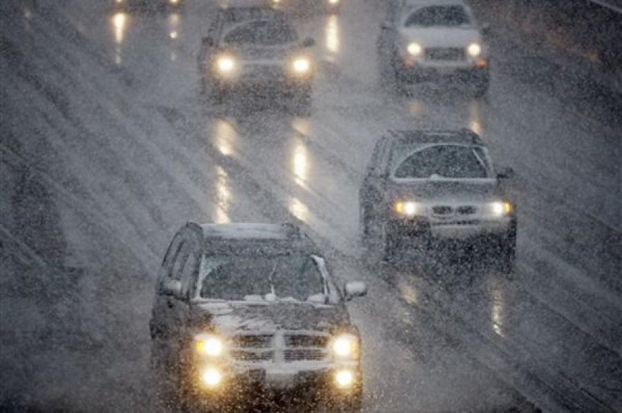 Водителей просят отказаться от поездок из-за плохой погоды