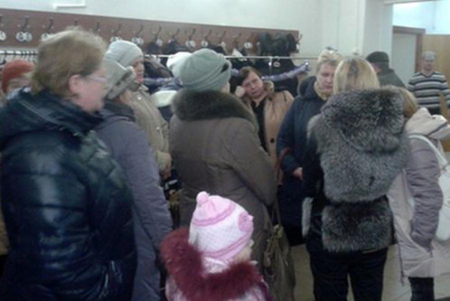 Жители Морозовских казарм митинговали у горадминистрации