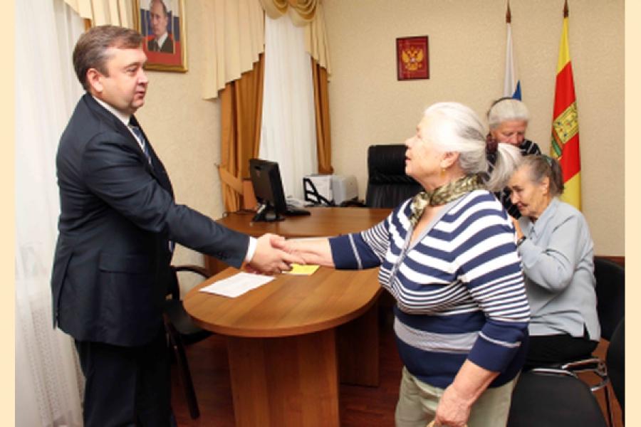 Губернатор помог жителям Тверской области решить жилищные проблемы