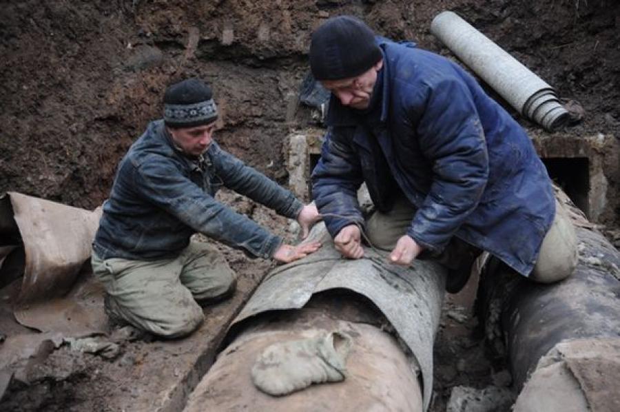 Специалисты ГЖИ и министерства ТЭК проверили ход работ в ржевском микрорайоне «Элтра»