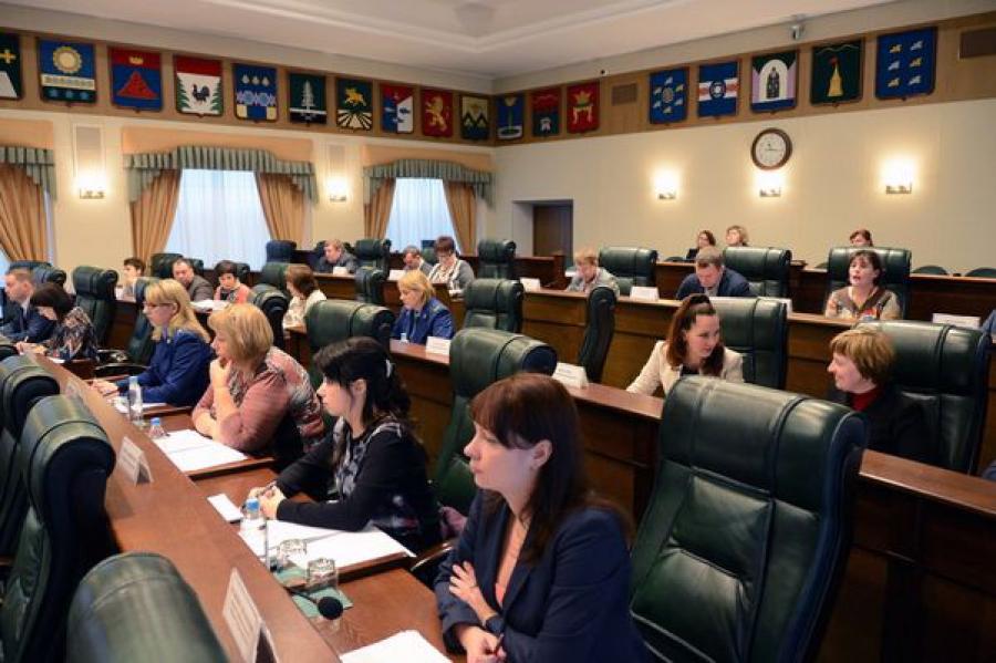 Комитеты ЗакСобрания рассмотрели проект бюджета Тверской области на 2015 год
