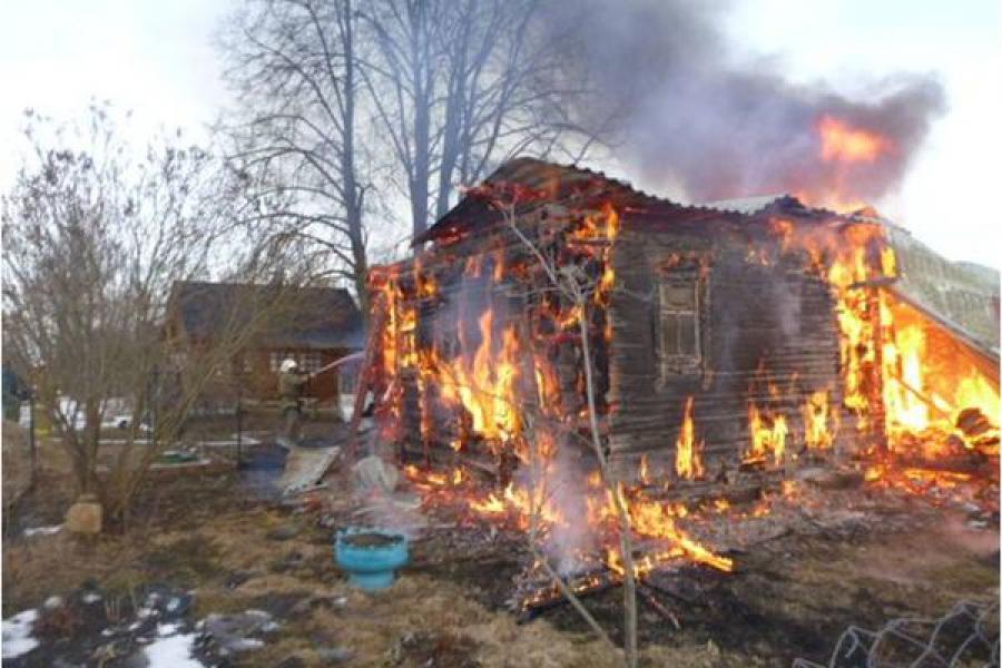 В Конаковском районе сгорела дача