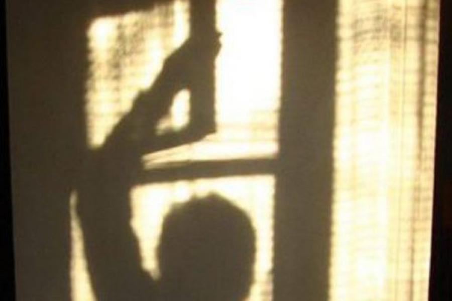Полиция ищет вора-форточника, обокравшего квартиру в Пролетарском районе Твери