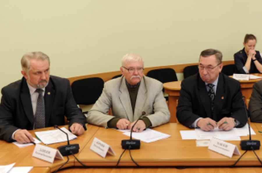 К 70-летию Победы в Тверской области должны привести в порядок все воинские захоронения и мемориалы