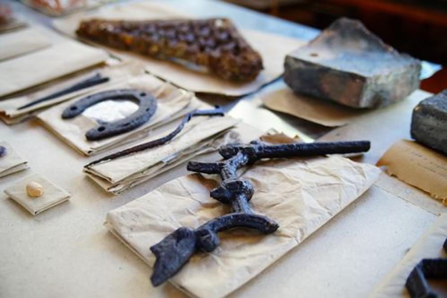 Уникальные находки XIII века обнаружены на Соборной площади