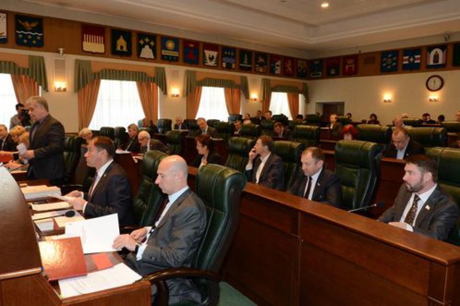 Законы о тишине, о противодействии коррупции, о законодательной инициативе граждан рассмотрены областными парламентариями