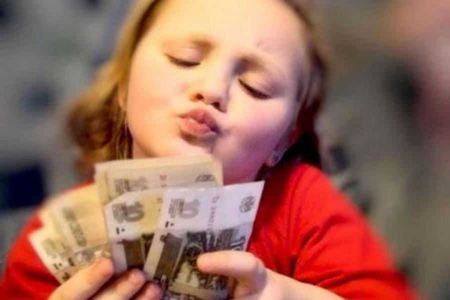 Оформить пособие на третьего ребенка станет проще