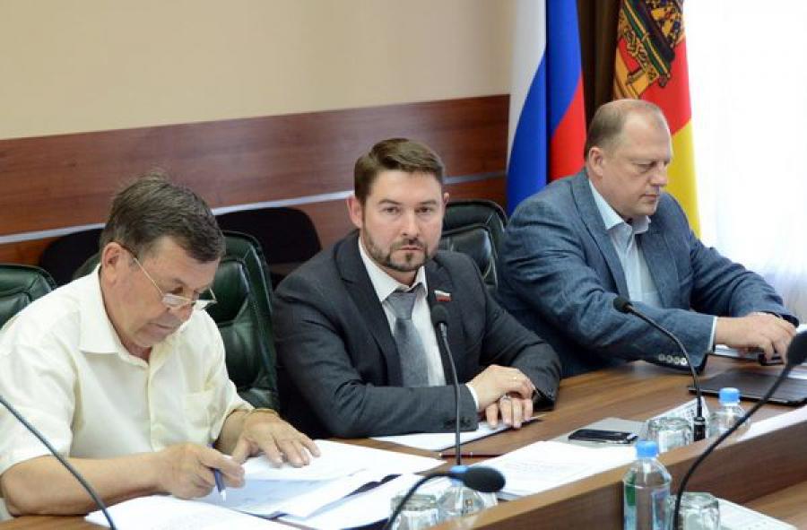 Расширяются контрольные функции регионального парламента