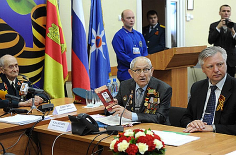 Губернатор и тверские ветераны поздравили крымчан с Днем Победы