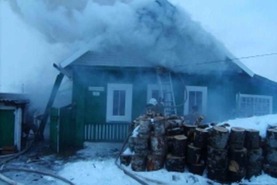 За один вечер в Тверской области сгорели три дома и баня