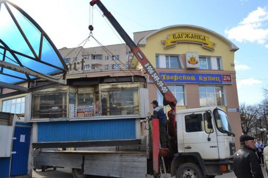 Вместо двух ларьков на улице Вагжанова появится остановочный комплекс