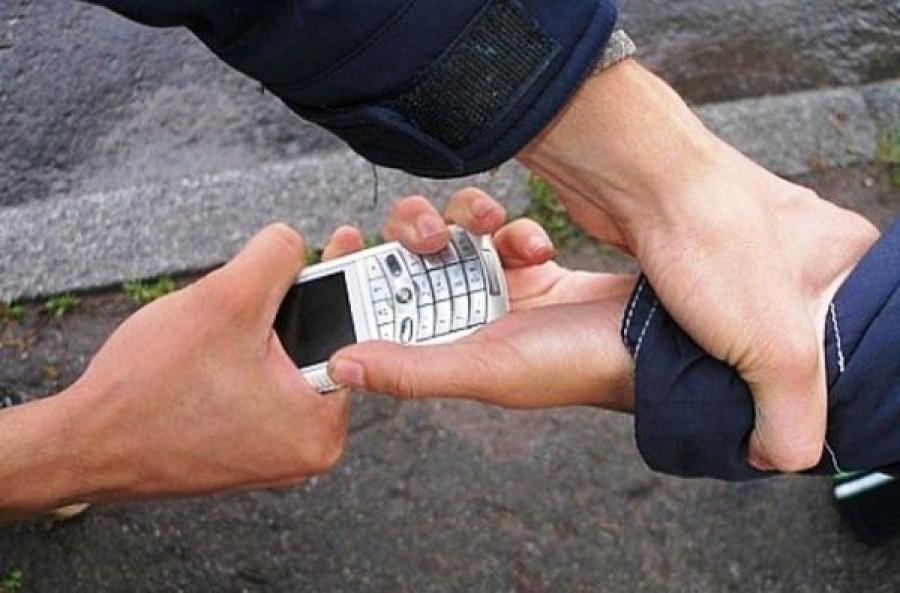 Тверские полицейские раскрыли ограбление подростка в Заволжье