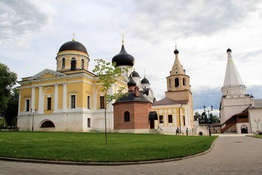 Губернатор посетил Старицкий Свято-Успенский монастырь в престольный праздник