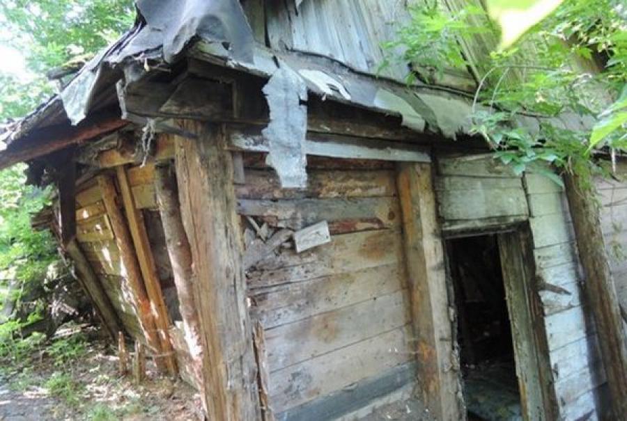 В доме-развалюхе в Сонковском районе был зарегистрирован 41 человек