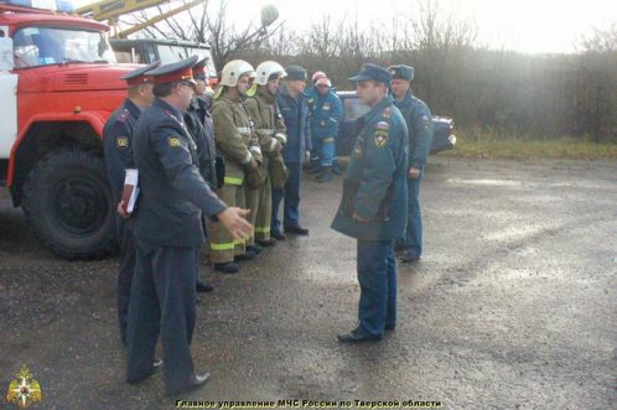 Действия после ракетно-бомбового удара отрабатывали в Спировском районе