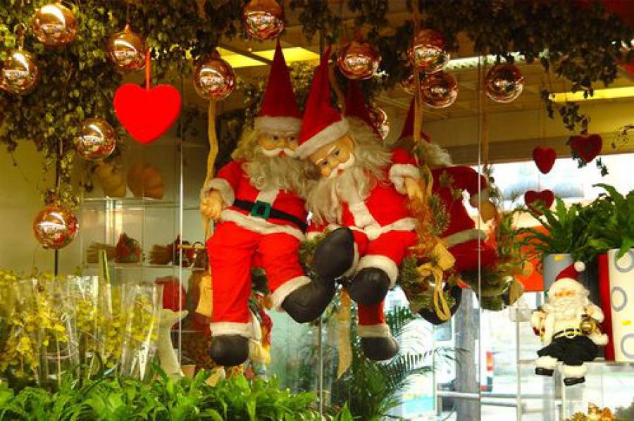 Новогоднее оформление магазинов и кафе оценит комиссия