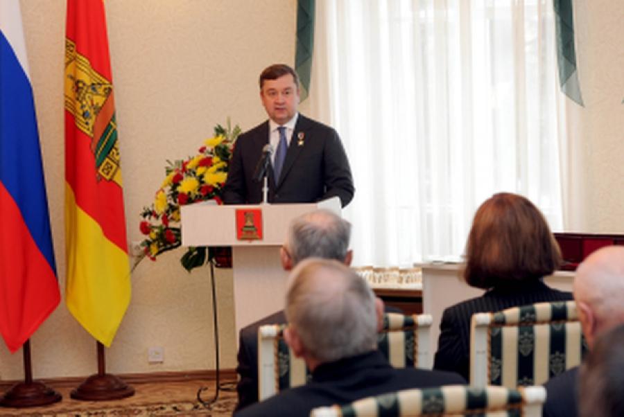 42 государственные и региональные награды были вручены в День герба и флага Тверской области