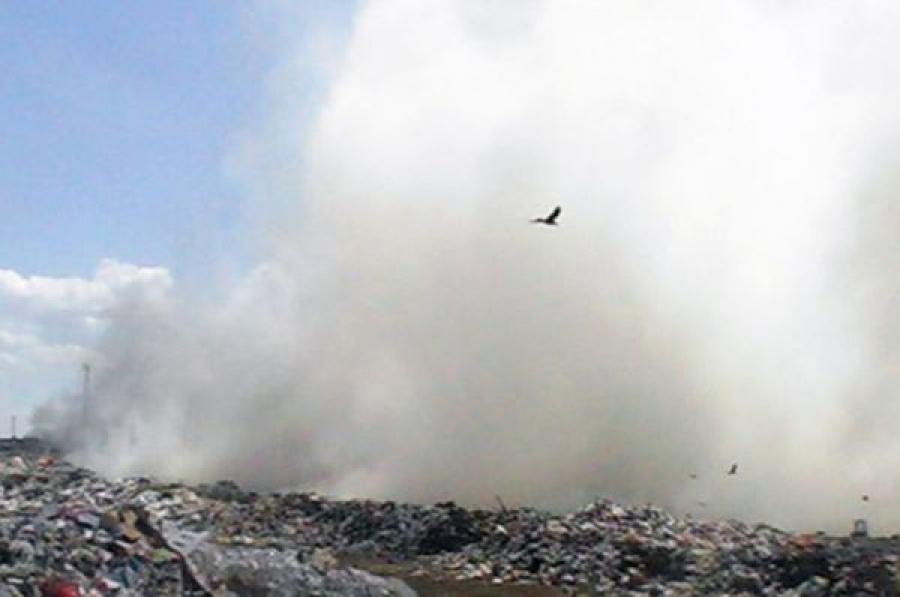 В Твери борются c тлением мусора на городской свалке