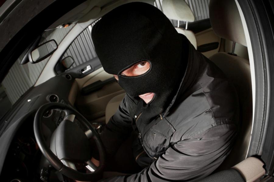 Полицейские вернули владельцам угнанные автомобили