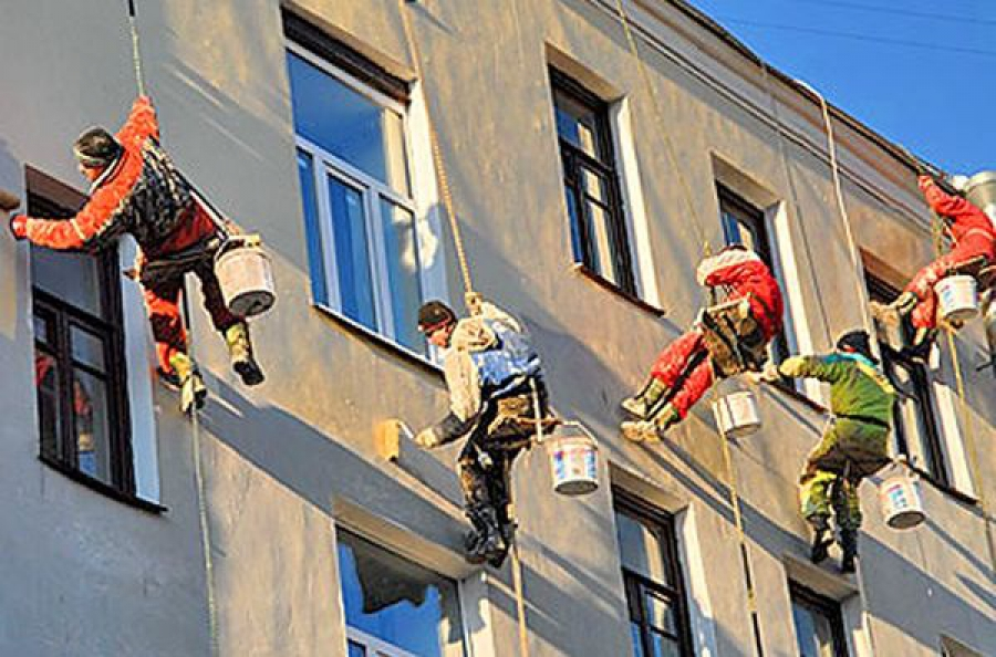 В Тверской области до конца года собираются отремонтировать 114 домов, еще 309 — расселить