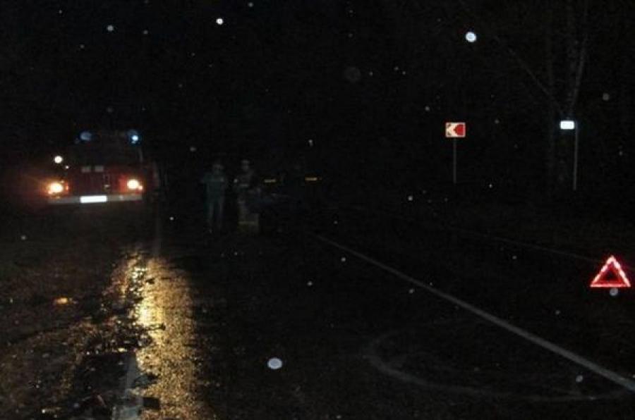 В Кимрском районе столкнулись легковушка и грузовик