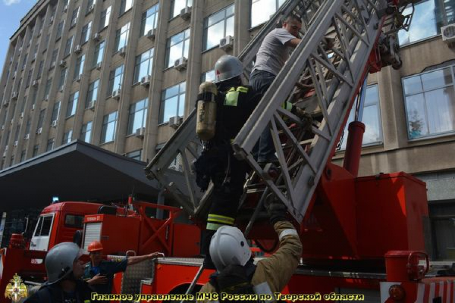 В здании областного парламента потушили условный пожар
