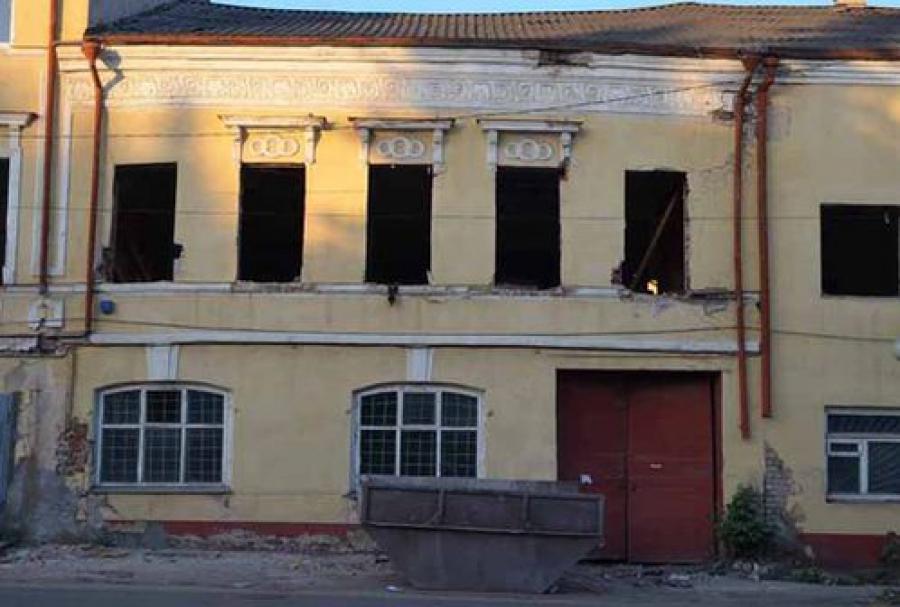 Общественность обеспокоена работами на исторических зданиях в Вышнем Волочке