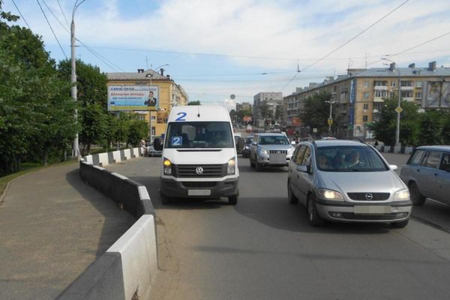 В Твери произошло ДТП с участием маршрутки №2 и «Фольксвагена»
