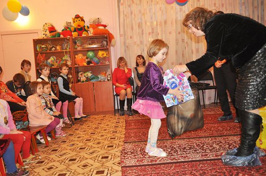 Акция «Стань Дедом Морозом»: исполнены новогодние желания ребят из Ржевского приюта
