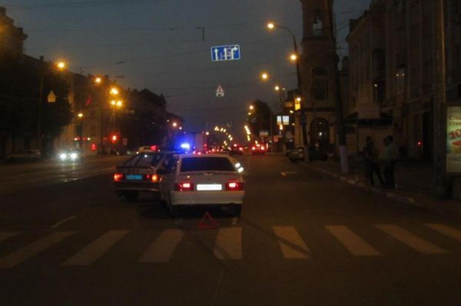 Ребенка, переходившего дорогу на зеленый свет, в центре Твери сбила машина