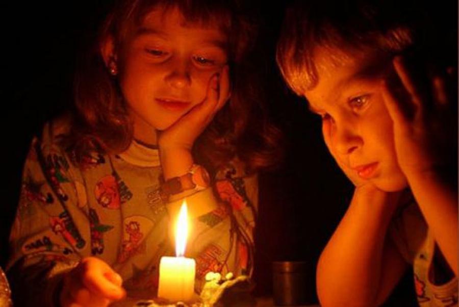 Из-за бездействия районного руководства жители 10 дней сидели без света