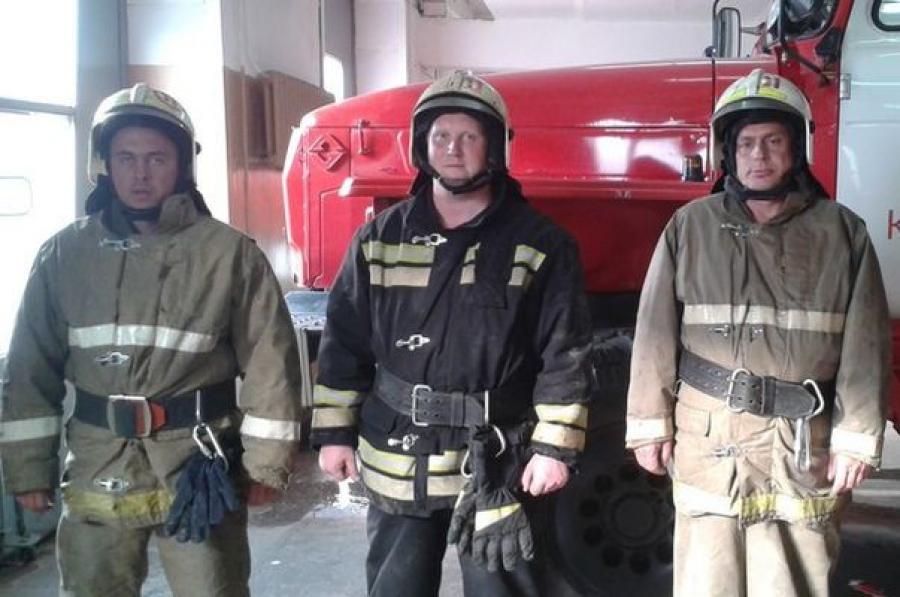 Кимрские пожарные спасли из огня мужчину