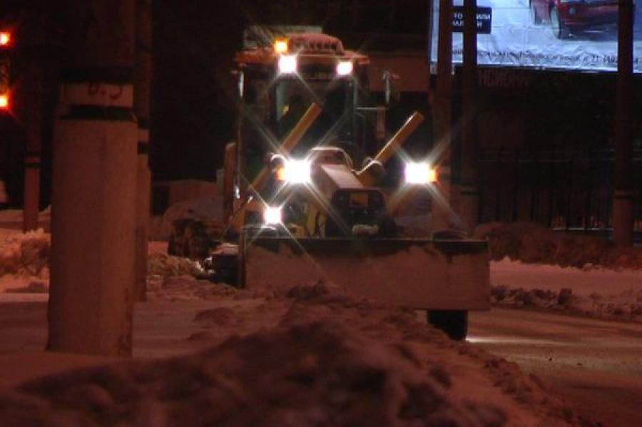 Из-за снегопада этой ночью на улицах Твери увеличится количество снегоуборочной техники