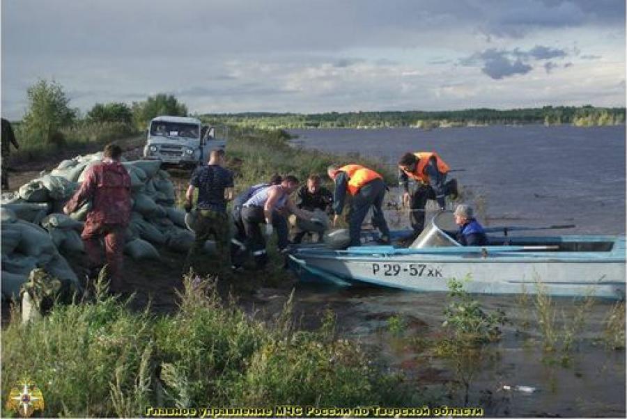 Тверские спасатели помогают людям на Дальнем Востоке