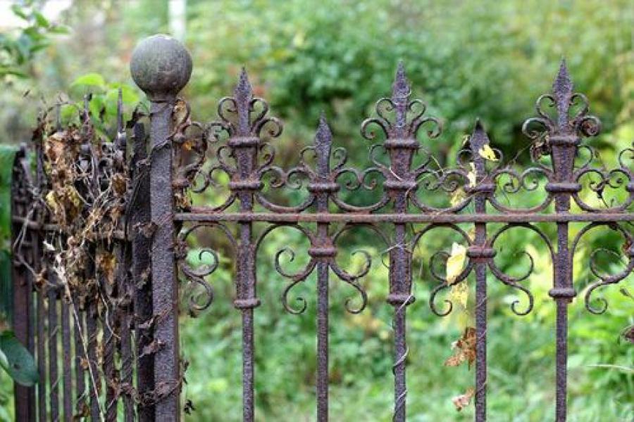 В Калининском районе нашлись неоформленные кладбища