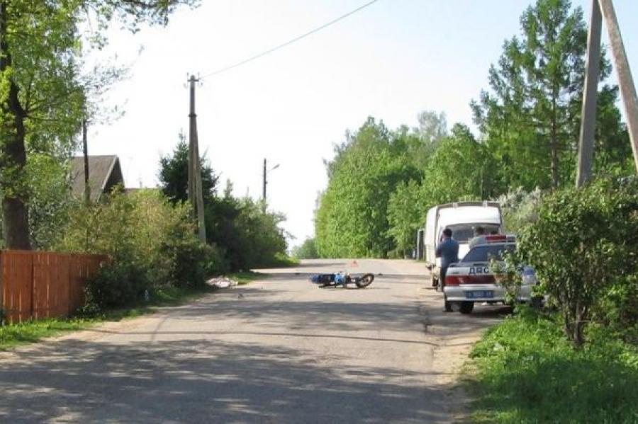 Мотоциклист без шлема и водительского удостоверения погиб в ДТП