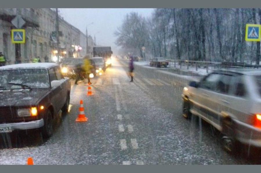В Вышнем Волочке автомобиль сбил пешехода
