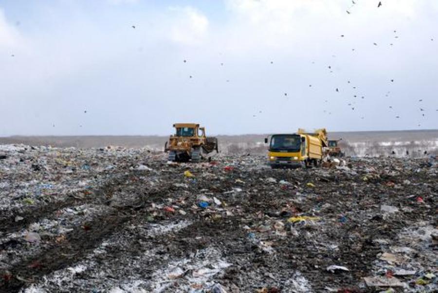 Свалка ТБО останется на Бежецком шоссе — теперь до конца июля 2014 года