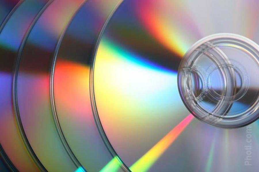 Более 600 «пиратских» DVD-дисков изъяли в одном из торговых центров Твери