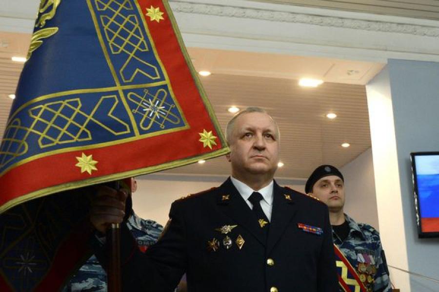Тверским полицейским вручили новое знамя
