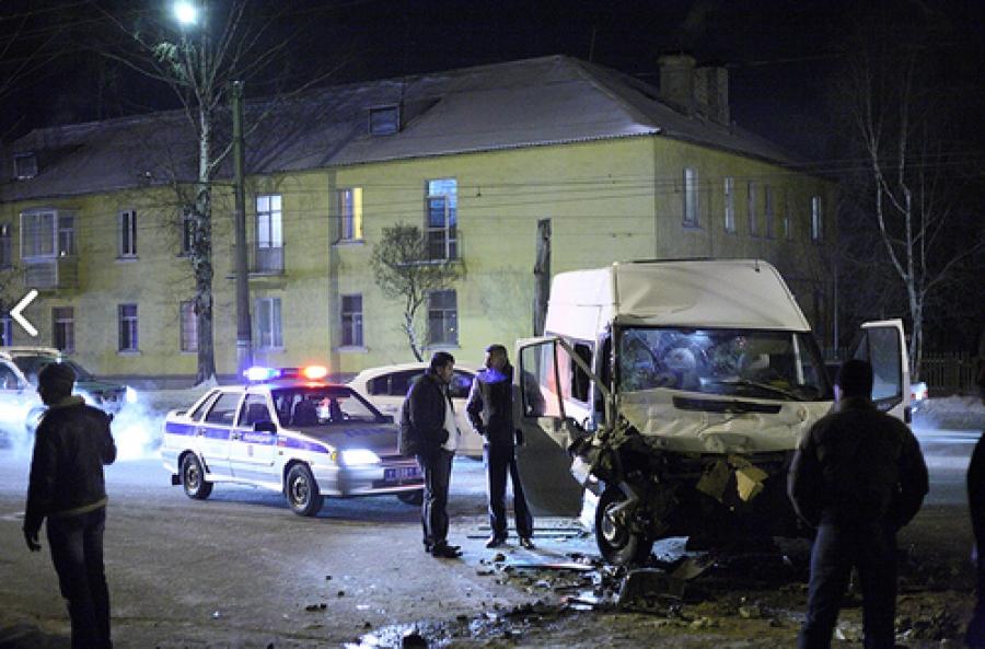 Тверская маршрутка попала в ДТП: среди пассажиров есть пострадавшие